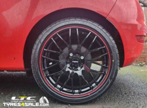 "Set of 17"" Calibre Motion 2 Alloy Wheels in Black / Red for Ford Fiesta"