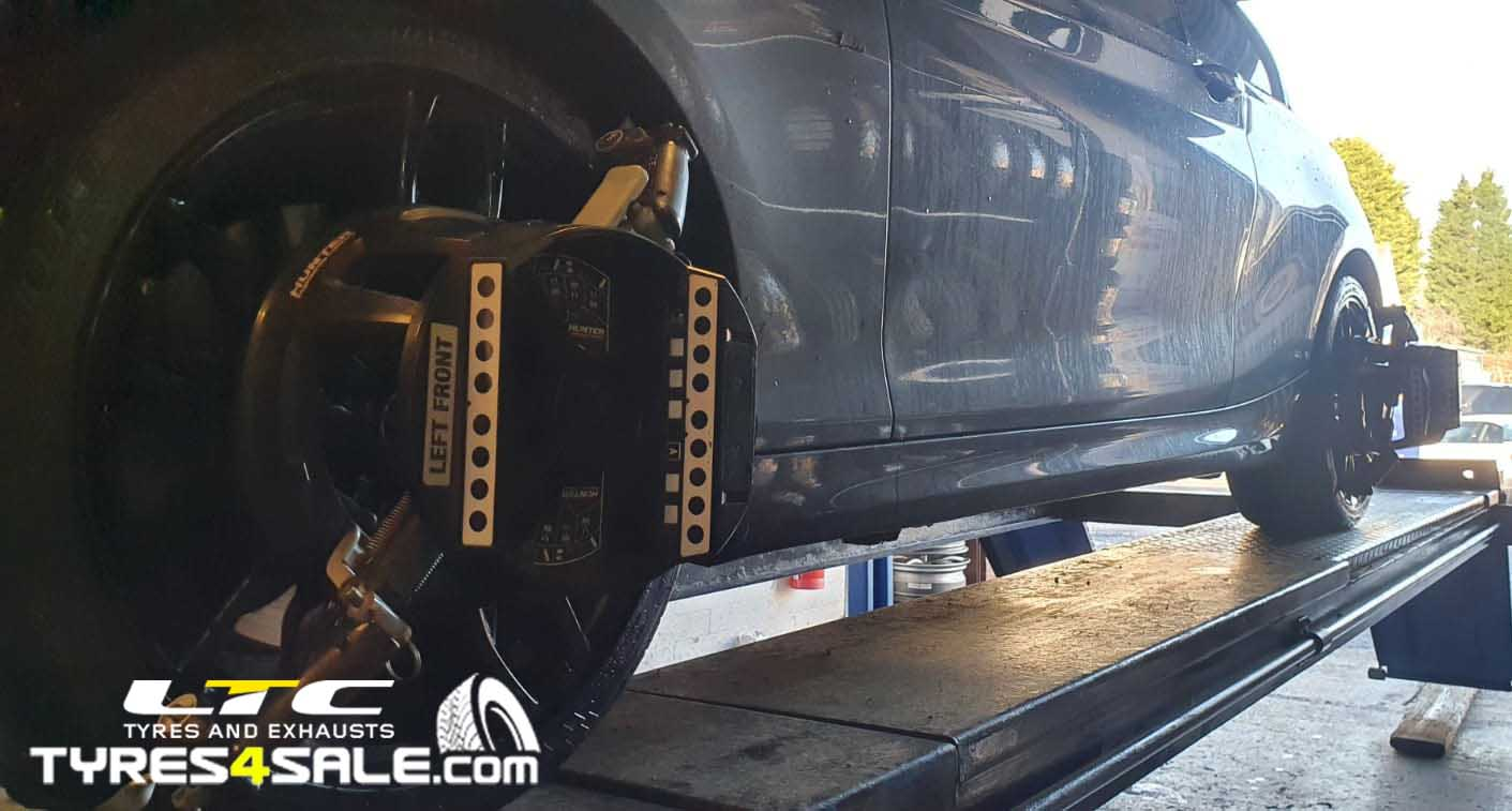Hunter Hawkeye 4 Wheel Alignment Tracking LTC tyres and Exhausts