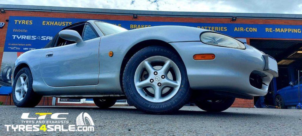 "Calibre Suzuka Gloss Black 17""Alloy Wheels for a Mazda MX 5"