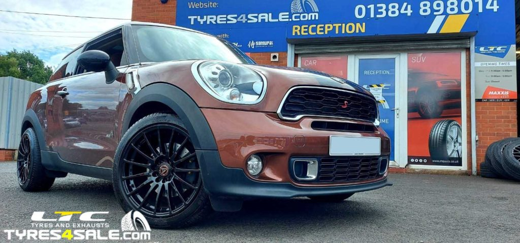 "Set of Wolfrace 18"" Turismo Gloss Black Alloy Wheels for a Mini Paceman"