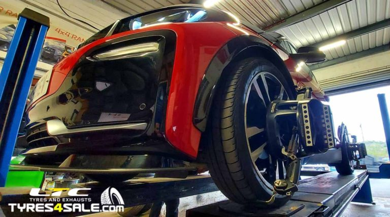 Hunter Hawkeye 4 Wheel Alignment by LTC Tyres and Exhausts