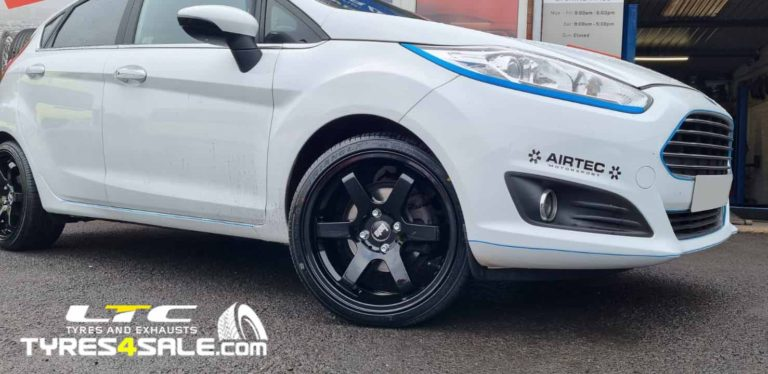 """Bola B1 17"""" Gloss Black Alloy Wheels and 205/40 17 Economy Tyres for Ford Fiesta"""